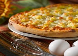 طبق بيتزا البيض