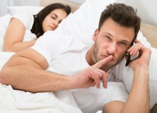 مؤشرات تلاحظها الزوجة تدل على خيانة الزوج