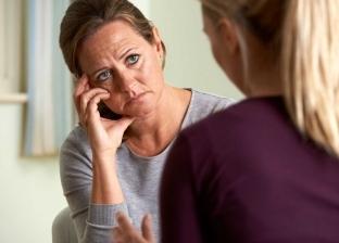 أزمة الثقة بين الأم وبناتها