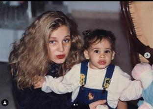 الفنانة شيرين رضا وابنتها