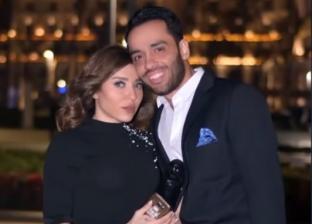 الفنان رامي جمال وزوجته