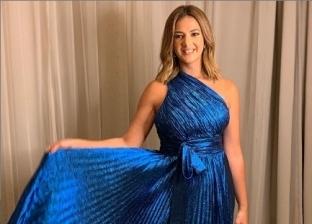 بالصور.. دنيا سمير غانم ترتدي فستان فنانة لبنانية في أحدث ظهور لها