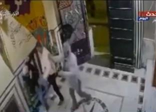 زوج يضرب زوجته