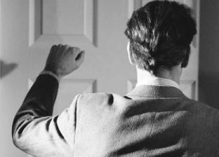 حكم الدين في الزوجة التي تغلق الباب في وجه زوجها