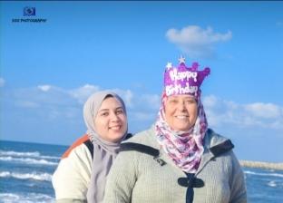 سيشن أم تحتفل بعيد ميلادها الـ60
