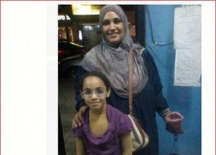 هويدا تجوب الشوارع بحثًا عن قوت يومها لبناتها الـ 5 بعد مرض زوجها