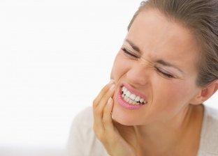 5 طرق طبيعية للتخلص من ألم الأسنان