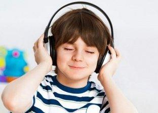 سماعات الاذن وخطورتها على الاطفال