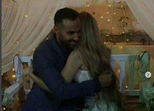 صور جديدة لأحمد فهمي  وهو يحتضن هنا الزاهد والأخيرة تقبله