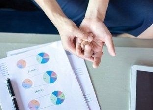 علماء يوضحون أسباب الشعور بألم شديد من جروح الورق