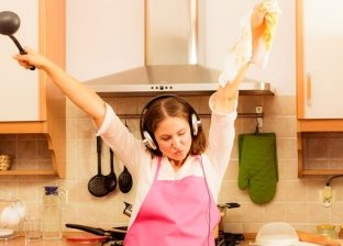 %91 من الفرنسيات يفضلن إعداد الطعام على أنغام الموسيقى