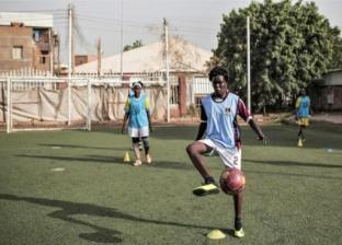 اللاعبات السودانيات أثناء التدريب