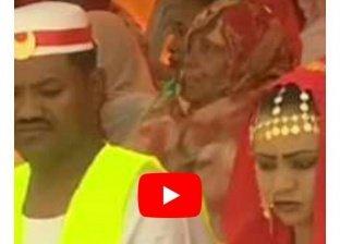 بالفيديو| حفل زفاف جماعي لنزلاء سجن سوداني يثير الجدل: