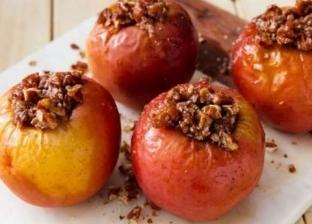 طبق التفاح المخبوز مع الشوفان والجوز