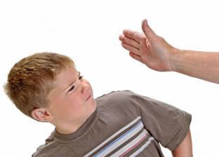 الإفتاء تحرم ضرب الأطفال