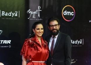 حنان مطاوع وزوجها على السجادة الحمراء