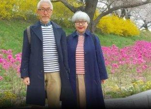 بالصور| زوجان يابانيان يجسدان حبهما بإرتداء ملابس مبهجة