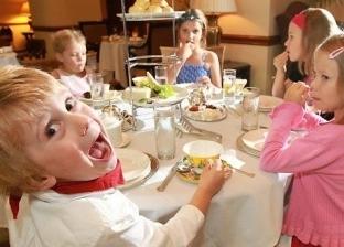 اتيكيت تعامل الأطفال في العزومات