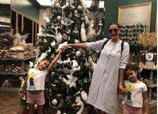 غادة عبد الرازق وأحفادها