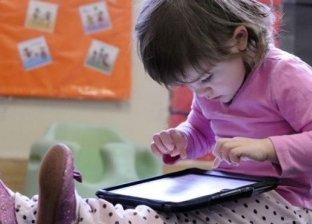 قضاء الأطفال أكثر من ساعتين في اليوم أمام الشاشة يؤدي إلى مشكلات سلوكية