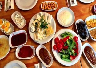 تناول الطعام في عيد الفطر المبارك