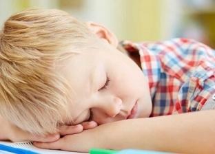 اعراض مشي الطفل اثناء النوم وطرق علاجها