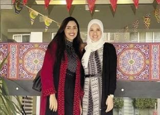 سناء وصديقتها