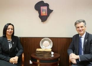 رئيس المجلس القومي للمرأة تبحث سبل التعاون مع سفير بريطانيا بمجال تمكين المرأة المصرية