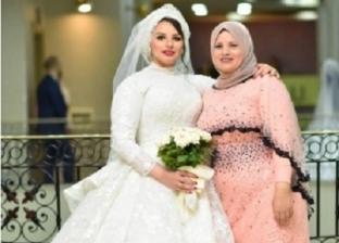الطبيبة ياسمين ووالدتها