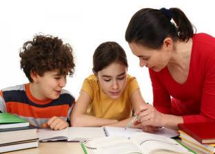 أمهات يتحولن إلى تلاميذ حرصا على مستقبل ابنائهن