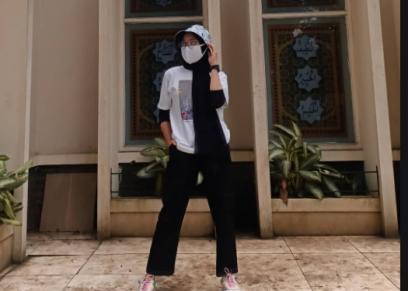 ارتداء الحجاب على «النص كم»