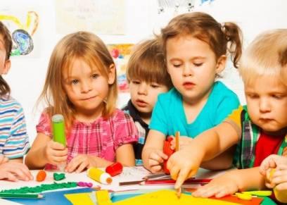 دراسة حديثة: إرسال الأطفال إلى الحضانة يزيد من تميزه
