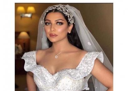 أحد فساتين الزفاف من تصميم سامو هجرس