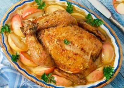 صينية دجاج بصوص التفاح