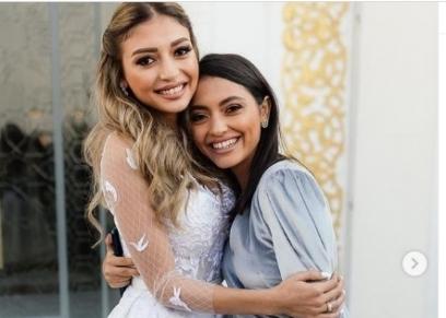مي الغيطي وشقيقتها