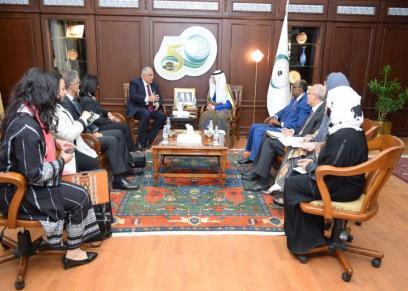 رئيس القومي للمرأة ومساعد وزير الخارجية لحقوق الإنسان يلتقيان أمين عام منظمة التعاون الإسلامي