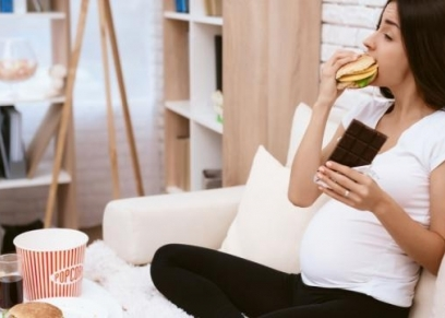 حكم إفطار المرأة الحامل.