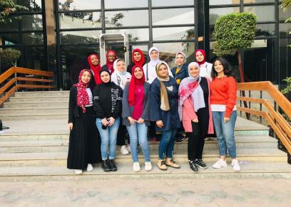 طلاب كلية إعلام