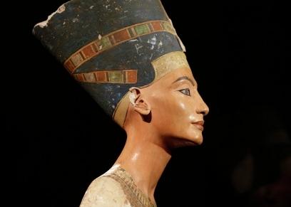الملكة الفرعونية نفرتيتي