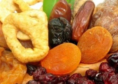 فوائد الفواكه المجففه