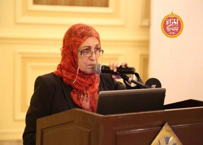 الدكتورة  مرفت محمود استاذة البحوث القيادية بالمركز الدولى الاسلامى بجامعه الازهر