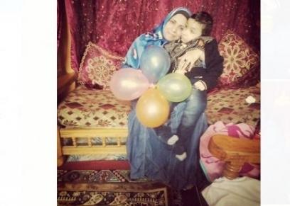 يوم عيد الأم تحلم وفاء محمد علاج ابنها