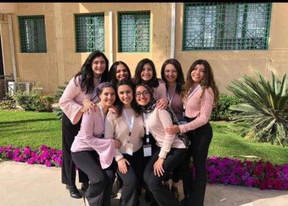 فتيات كلية إعلام