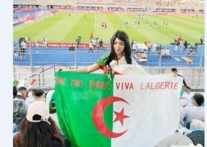 إحداهن تركت زوجها وأولادها.. مشجعات الجزائر
