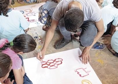 طلاب المدارس التى تقع فى المناطق النائية هم الأولى بالرعاية