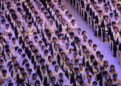 بالفيديو| زفاف جماعي لآلاف الأزواج في كوريا الجنوبية
