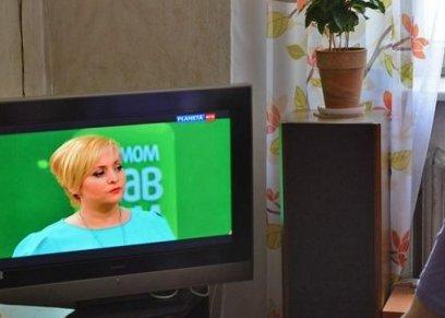 دراسة: مشاهدة التلفزيون لفترات طويلة تتسبب في الإصابة بالزهايمر