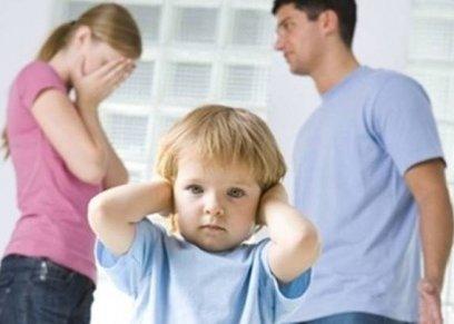 استشاري يوضح الأمراض النفسية التي تصيب الأطفال بعد الطلاق وكيفية تأهيله