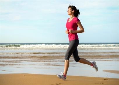 بينها المشي السريع..تمارين رياضية يمكن ممارستها خلال الاجازة الصيفية