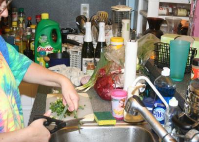 عادات خاطئة عليك تصحيحها اثناء استخدام المطبخ